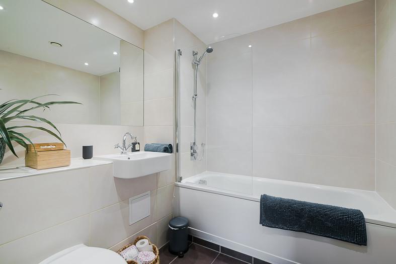 125 bathroom