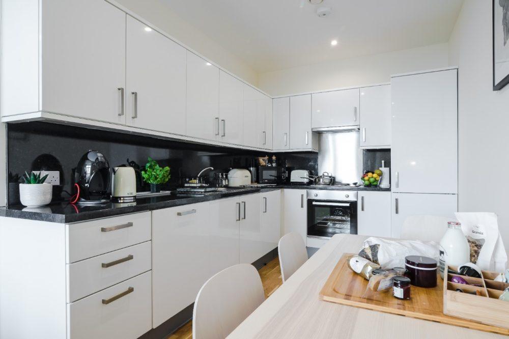 19 04 kitchen (edited-Pixlr)